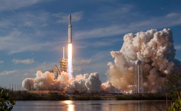 Despegue del Falcon Heavy./Reuters