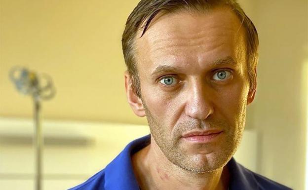 Navalni recibe el alta médica y abandona el hospital