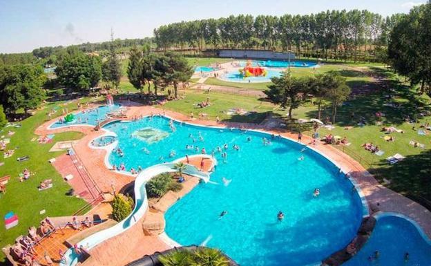 valencia de don juan abre las piscinas este jueves con los