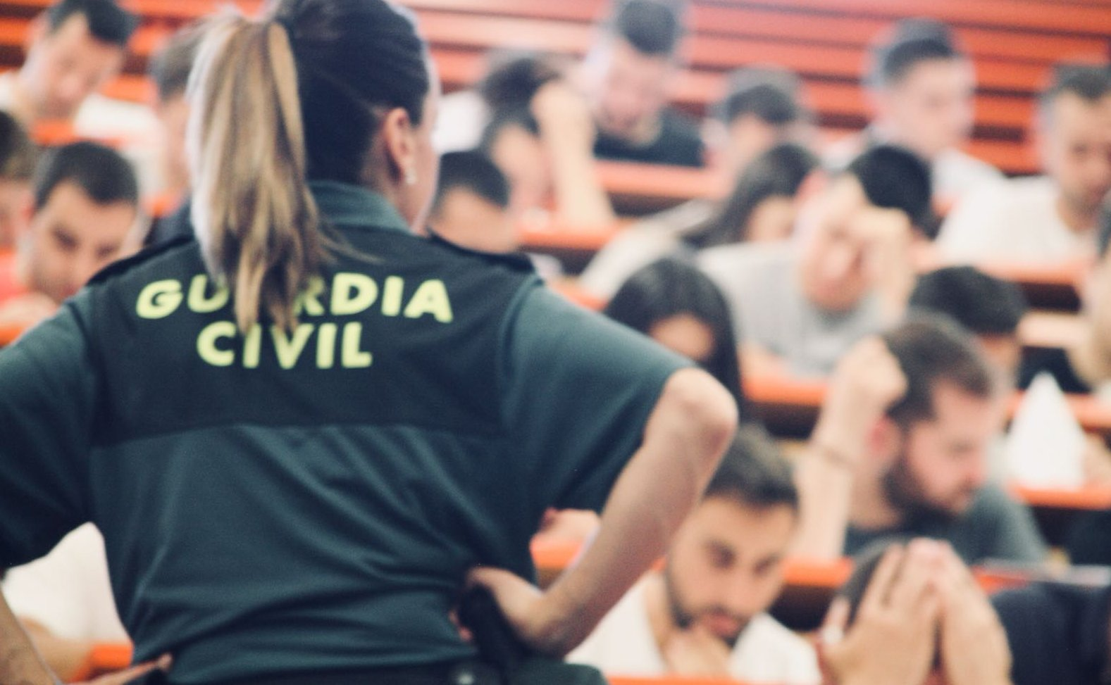 Examen de la oposición de la Guardia Civil en León. /Guardia Civil