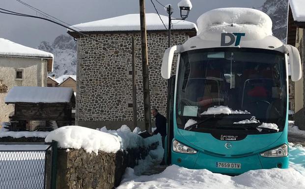 50 turistas permanecen inmovilizados en Posada de Valdeón al