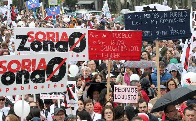 """Manifestación de la España Vaciada: """"Ser Pocos no resta derechos"""" ICAL422534-kTiG-U701055927346q4-624x385@Leonoticias"""