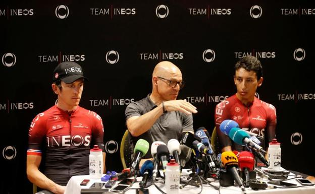 Geraint Thomas (i) y Egan Bernal (d), en conferencia de prensa. /Reuters