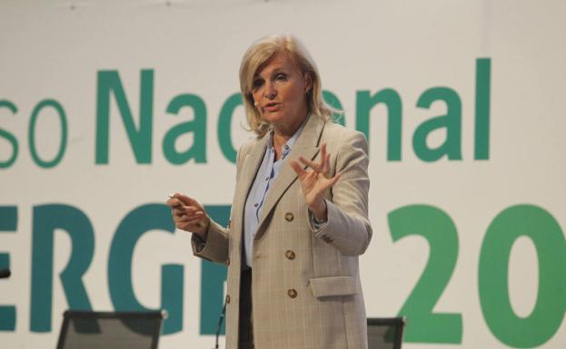 María Neira, durante una ponencia. :: /Joaquín Pañeda