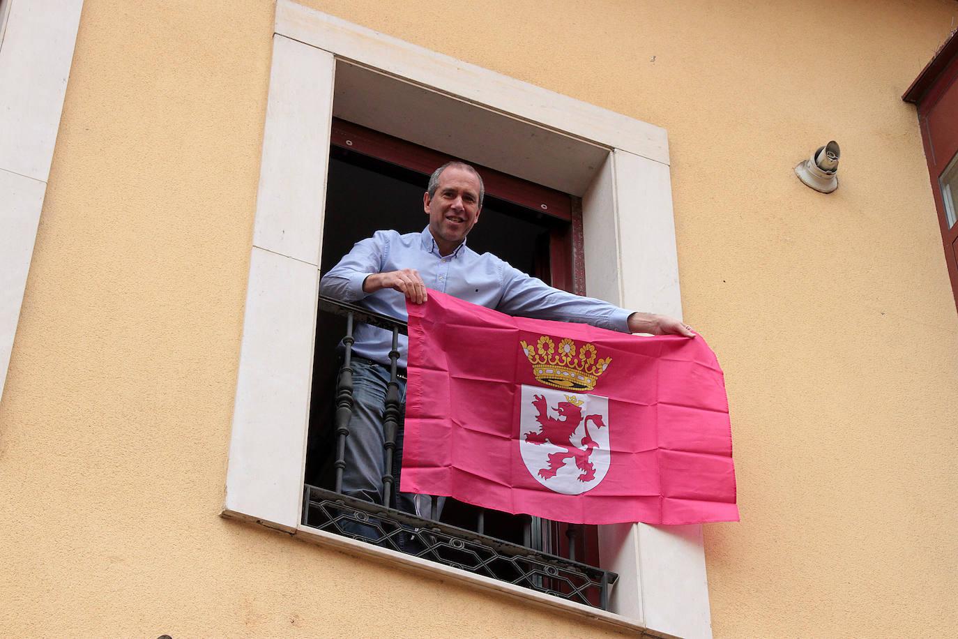 Luis Enrique Valdeón, concejal de UPL, en su domicilio.